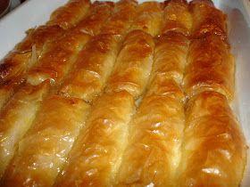 Μία συνταγή της Ρούλας από Σέρρες αφιερωμένη στην ξαδέρφη της τη Γιώτα που μένει στην Κομοτηνή, με πολύ αγάπη.  Υλικά (Για 25 περίπου κομμάτ...