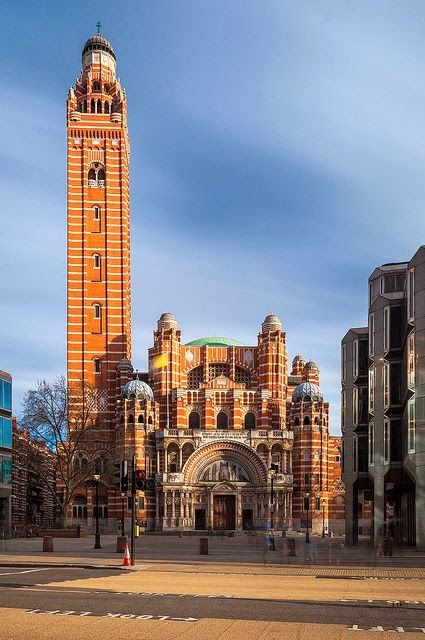 The Westminster Cathedral towers over the surrounding ...