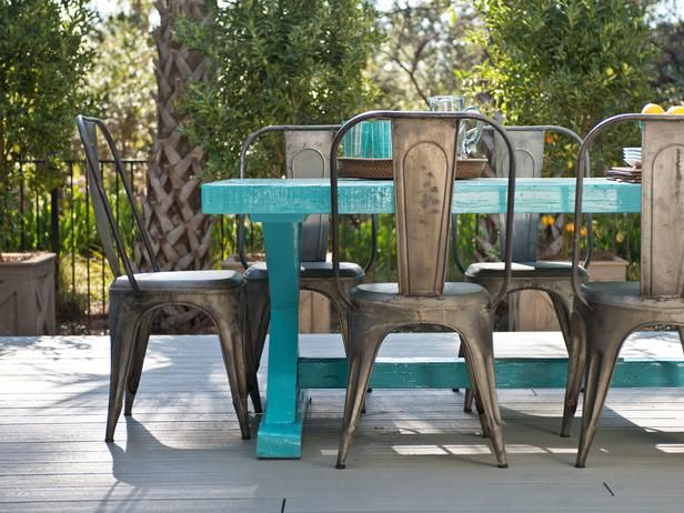 Smart Home Deck--Love the table and outdoor chairs!