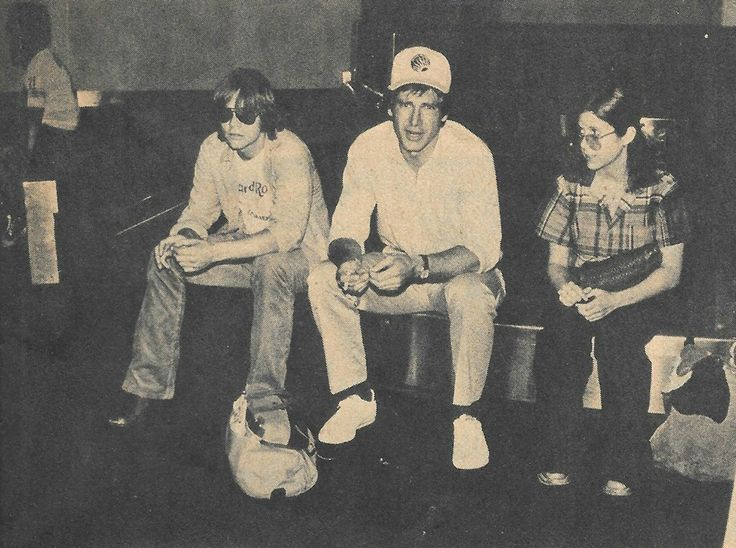 Mark, Harrison, and Carrie chillin' https://www.facebook.com/itsmarkhamill/?fref=ts