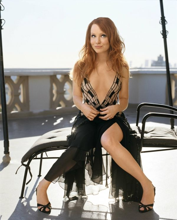 Lauren Ambrose more beautiful than this ? I think not !