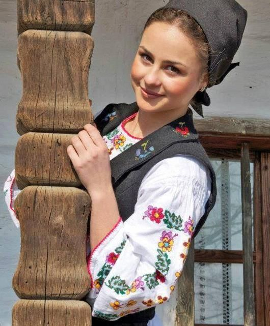 Romanian blouse. More reasons to visit Romania here: https://www.facebook.com/YouShouldVisitRomania