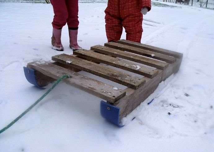 diy-used-pallet-snow-sled-projects-ideas