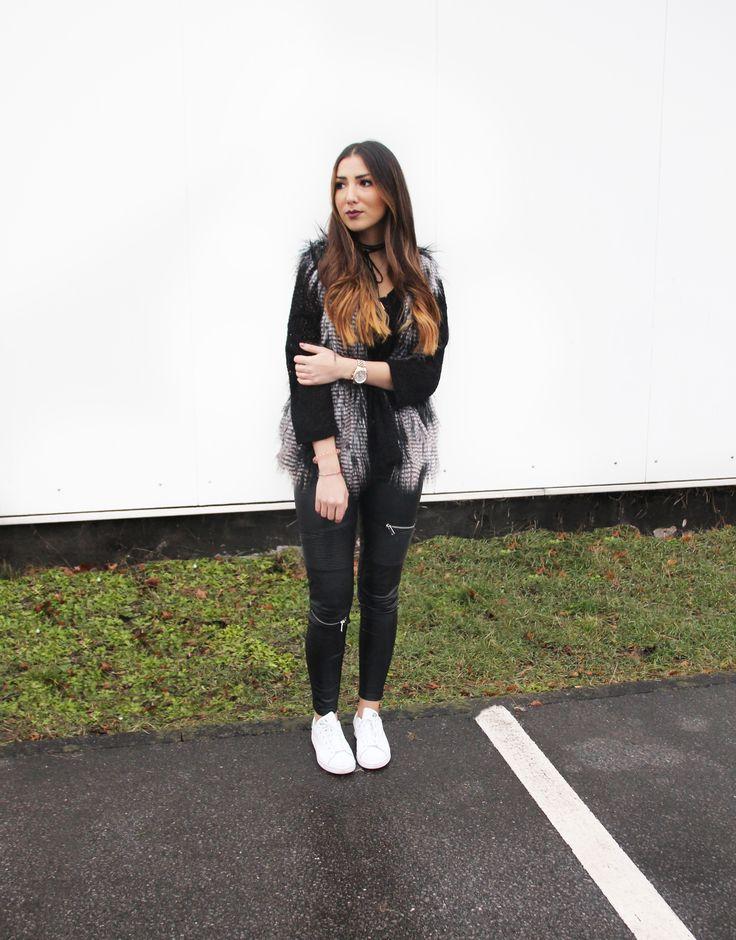 //SHOP THE LOOK //🇩🇪 Wir lieben Fellwesten im Winter! Die Kunstfellweste von Crew-Member Hafize verleiht ihrem Outfit das gewisse Etwas! Shoppt ihren Look hier nach: http://liketk.it/2q9je //🇬🇧 We love fur vests in winter. The fake fur vest of Crew-Member Hafize sets a statement. Shop her look @liketoknow.it #liketkit