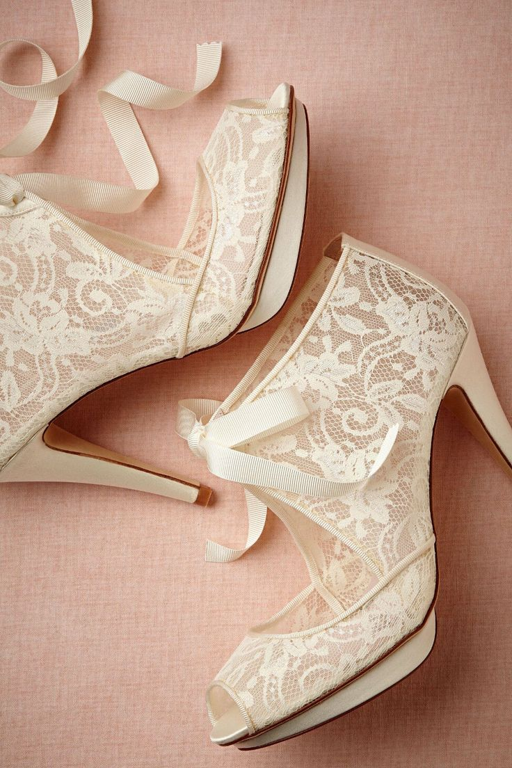 Lovely lace bridal shoes