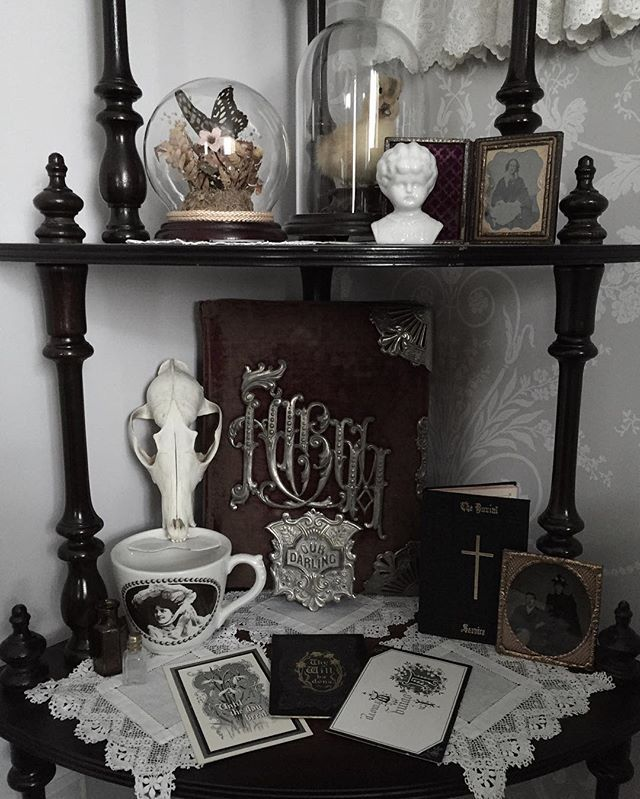 17 Best ideas about Goth Bedroom on Pinterest Gothic