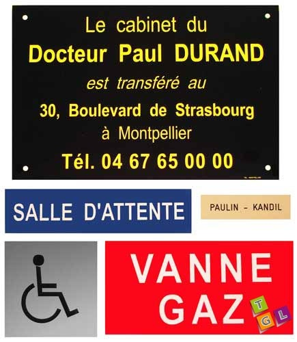 Les plaques en plastiques sont idéales pour les plaques de boîtes aux lettres, de porte ou de bureau : http://www.tampon-gravure.fr/11-plaque-plastique