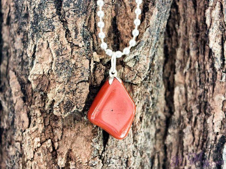 R.M.ékszer  Vörös jáspis ásvány medál