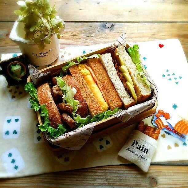 旦那さんの朝ごパン弁当♪  今日も3種類のサンドイッチ(^o^)   鶏もも塩胡椒グリル&レタス   ベーコン&オムレツ   ごぼうの味噌炒め&たくわん  おはようございます♪ 今日も暑くなりそうな朝です 旦那さんはパンイチで寝てました(≧▽≦) それはまだ寒いやろ~ (((*≧艸≦)ププッ - 66件のもぐもぐ - 旦那さんの朝ごパン弁当♪ by kyuja