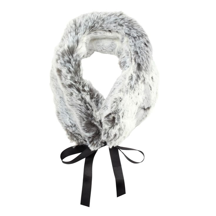 Gorgeous pale grey faux fur collar by Blanche in the Brambles. Made in Great Britain.