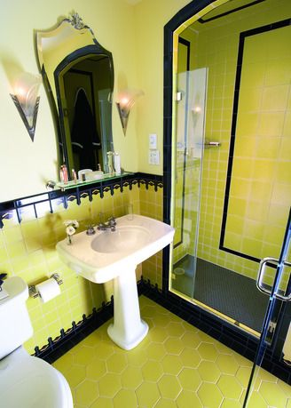 47 Best Images About Amazing Vintage Bathrooms On