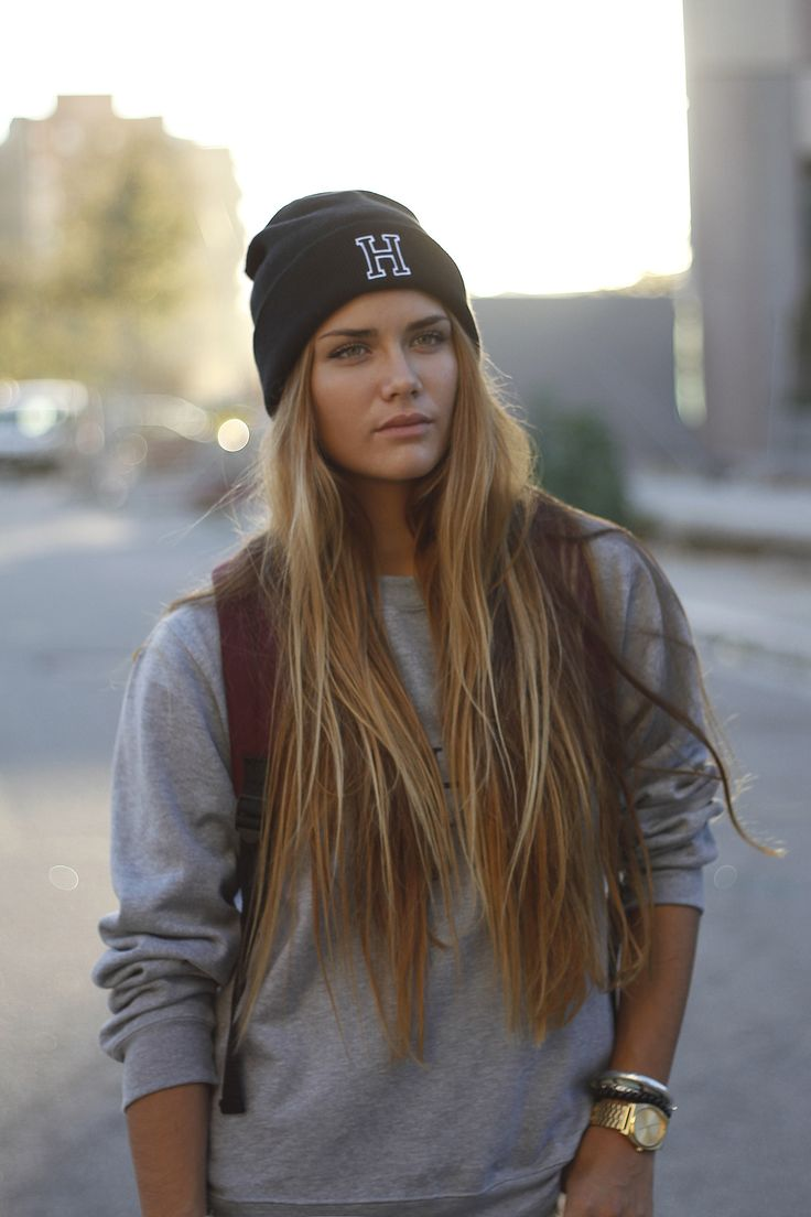 Girls with great hair wearing beanies = perfection