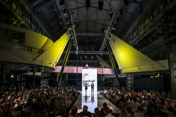 2013 show start at Millenáris Hall B
