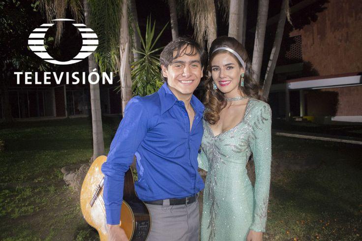 José Manuel se encuentra con Angélica María en Oaxtepec, ella será quien impulse su carrera. ¡Disfruta de las imágenes!