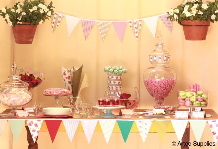 Lucy lolly buffet. Just love bunting. Made with completely coordinating papers in Eco Luxury.