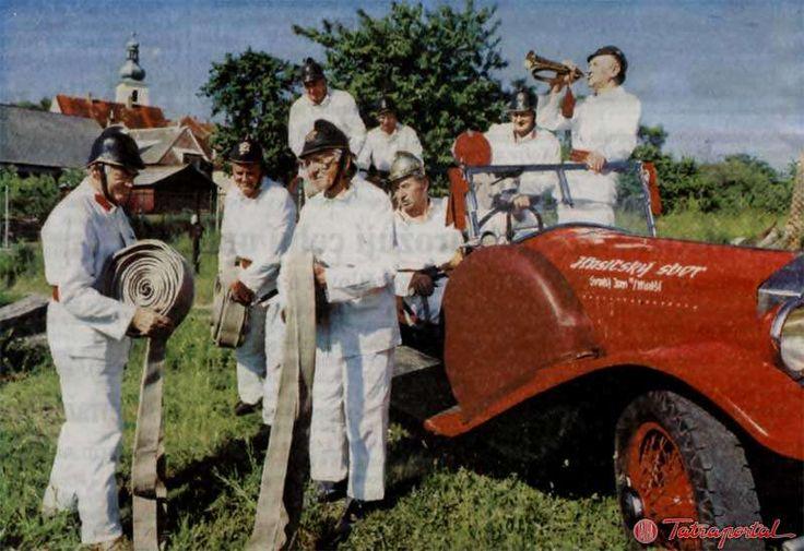 Tatra 17 fire fighting truck