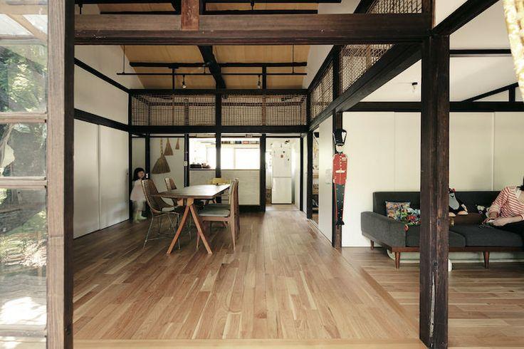 昭和5年に建てられた木造平屋の一戸建てを、 古いものを活かしながら現代に合わせて再編集。都会で楽しむ自然に包まれる日々。 text_ Yasuko Mur