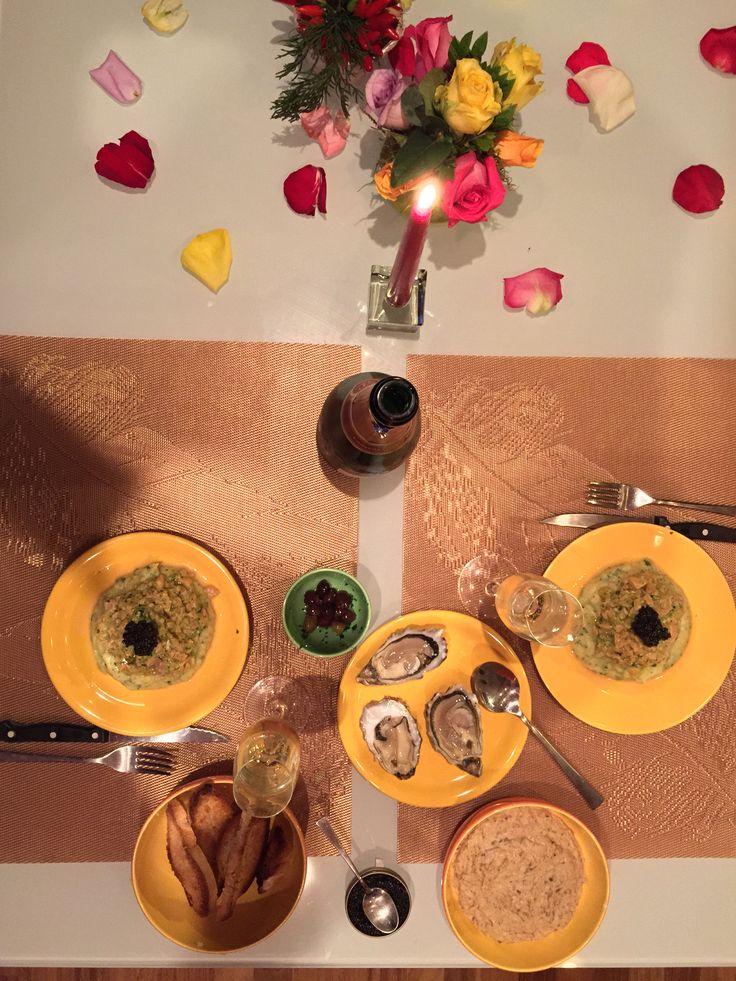 Io e Giulia: tartare di salmone con caviale su topinambur all'arancia, ostriche e champagne