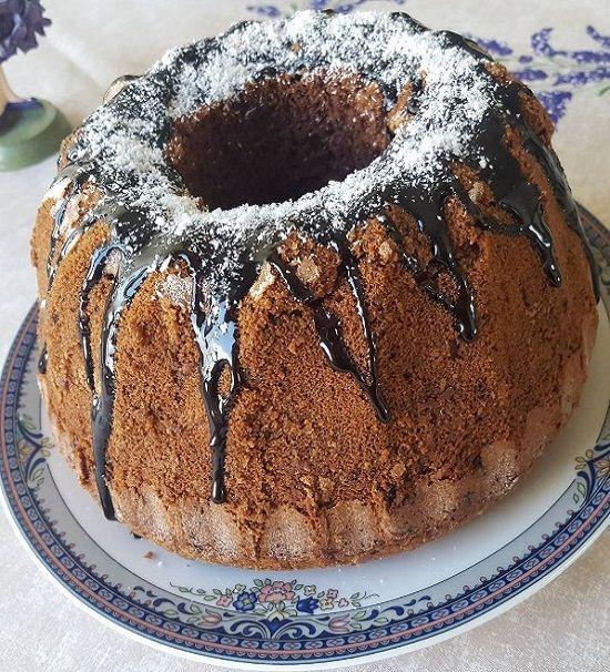 Sizde evinizde kolay kahveli kekten yapmak istermisiniz? Görüntüsü kadar tadıda nefis üzerinede çikolata dökerseniz tadına doyum olmaz.