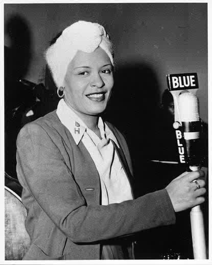 Billie HolidayLady'S Style, Billie Holiday, Lady Singing, Beautiful Lady, Icons, Holiday Style, Billy Holiday, Black History, Holiday Music