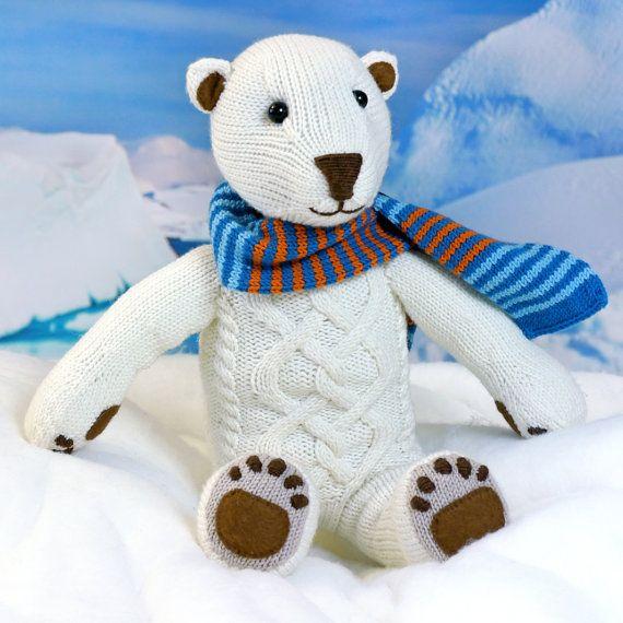 Polar Bear ILUQ knitting pattern von SteffisCatsAndHats auf Etsy