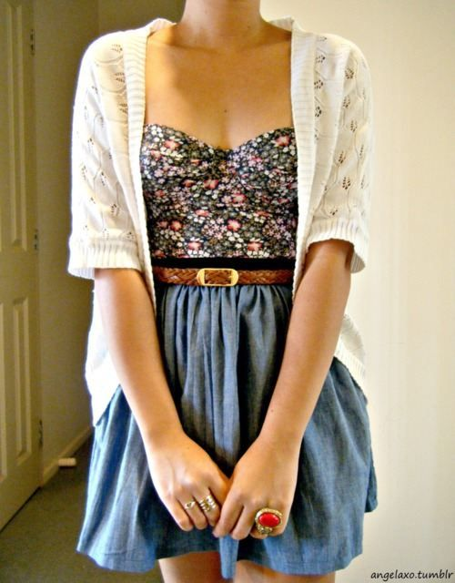 : Floral Tops, Floral Prints, Summer Outfit, Style, Flower Prints, Dresses, Circles Skirts Outfit, Spring Outfit, Denim Skirts