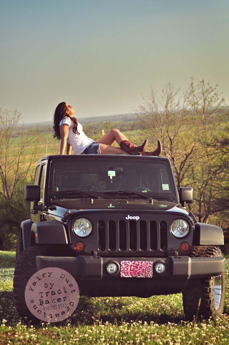 Senior Girl Pose on a Jeep