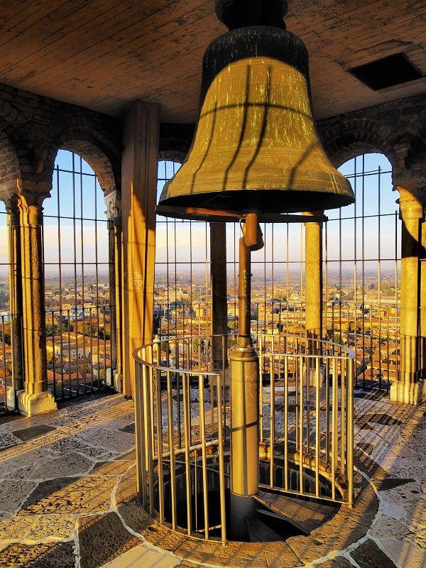 Campana del Torrazzo - Cremona, Italia