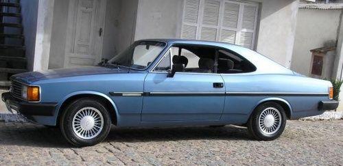 Opala 2 portas azul metálico