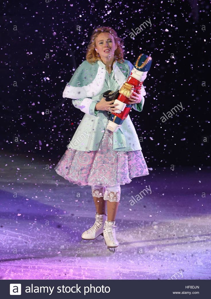 Moscow, Russia. 28th Dec, 2016. Figure skater Tatiana Totmianina in a scene from The Nutcracker and the Mouse King ice show staged by Ilya Averbukh at the VTB Ice Palace. The show is based on a story by E. T. A. Hoffmann. © Vyacheslav Prokofyev