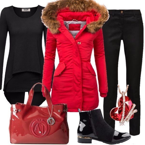 Outfit splendido per tutti i giorni abbinando il nero dei pantaloni a sigaretta e della maglietta a maniche lunghe doppio strato, al rosso del piumino lungo con cappuccio. Gli accessori riprendono entrambe le tonalità, quindi abbiamo il nero per gli stivaletti e il rosso per la borsa a mano. La collana con ciondolo a forma di cuore con cristalli Swarovski completa questo look ricercato adatto per tutti i giorni invernali, per il lavoro e il tempo libero.
