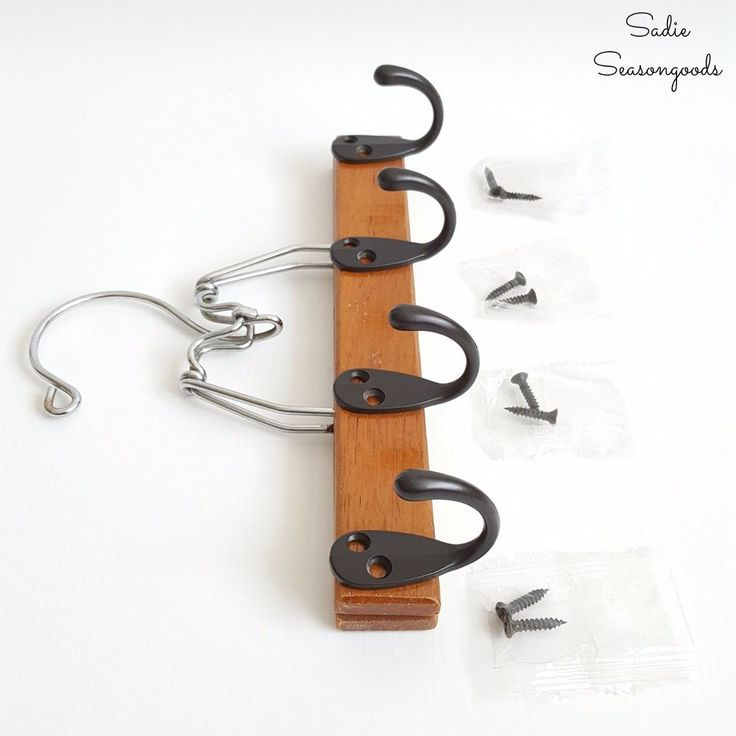 Turn a Pants Hanger into a Super Simple Belt Organizer