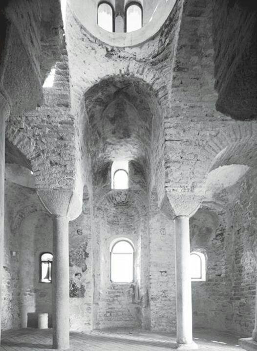 Interno della Cattolica di Stilo. IX X secolo.
