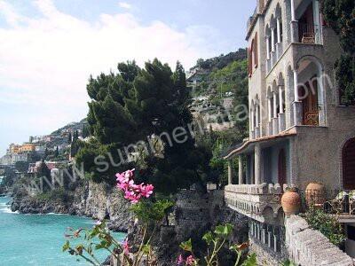 Image 11 for Appartamento Luigi in Amalfi.. honeymoon.... hmmm...