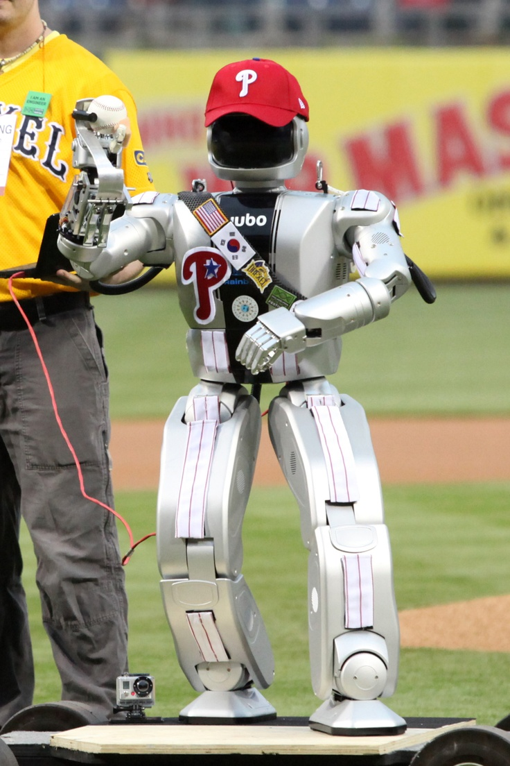 Robot throws out the first pitch in Philly