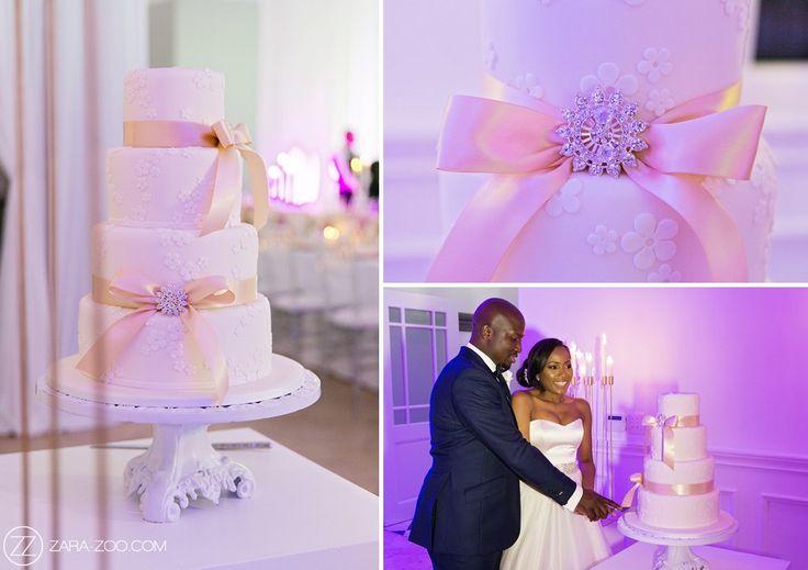 Three tier #Wedding #cake at Val de Vie Wedding - ZaraZoo Photography