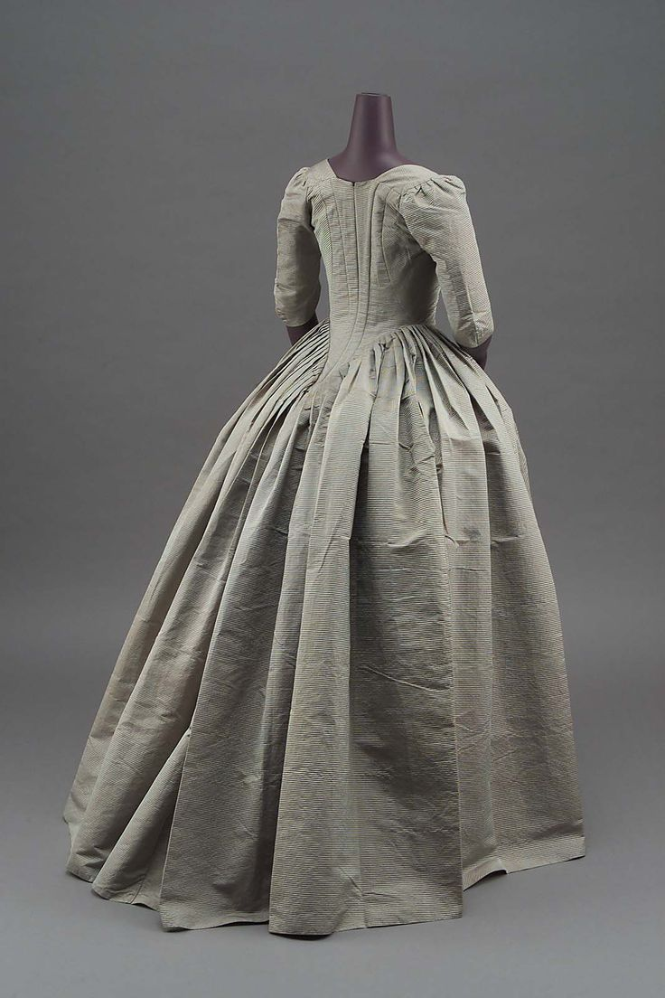 1790, Europe - Dress with petticoat - Blue and rose changeable, heavily ribbed silk