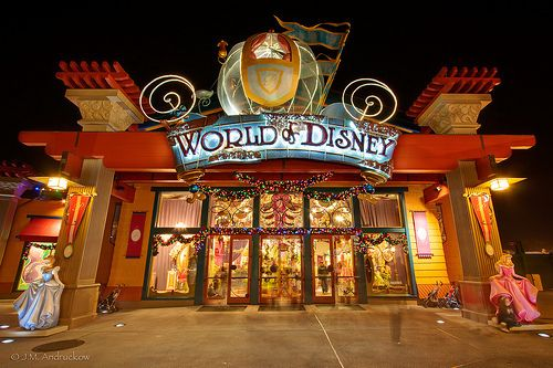 Omg I love shopping here at Downtown Disney