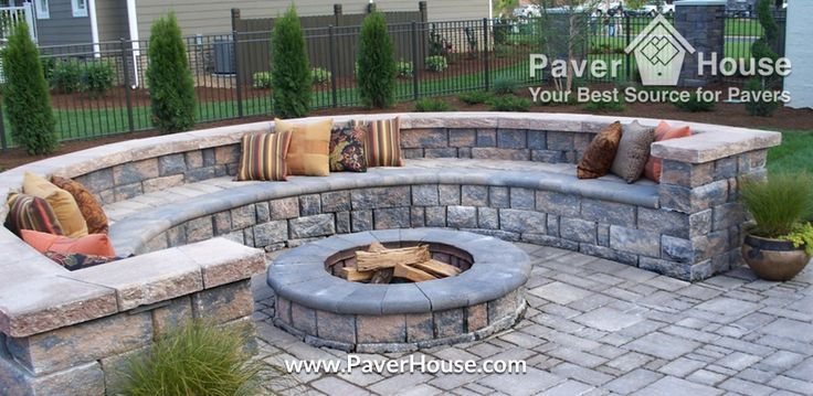 Looking for retaining walls paver ideas for your backyard for Back garden wall designs