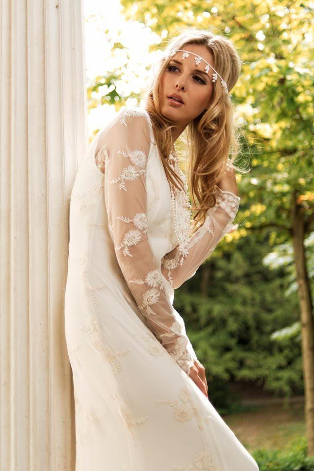 Was für ein atemberaubendes Brautkleid im Boho-chic. Dieses schmal ...