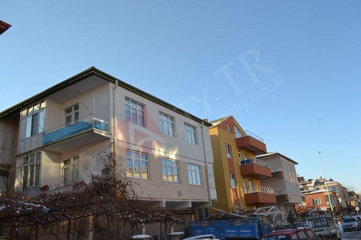 Oturma Odası : 9,20 m2  Salon : 13,4 m2 Mutfak : 7,39 m2  Antre : 5 m2 Tuvalet : 1,5 m2 Banyo : 3 m2  Gece Hol : 2,92 m2 Çocuk Odası : 8 m2 Yatak Odası : 13,10 m2 Balkon : 5 m2
