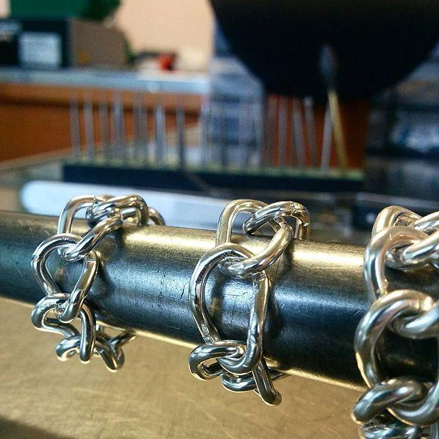 Anelli creati a mano da Diana con delle maglie in argento, le maglie possono essere decise o modificate a discrezione del cliente,