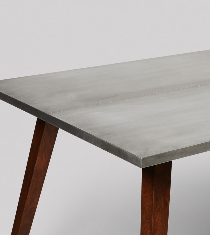 Dulwich dining table in mango wood and steel