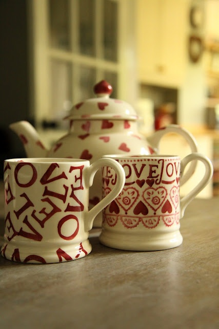 Emma Bridgewater - really want the cup on the right