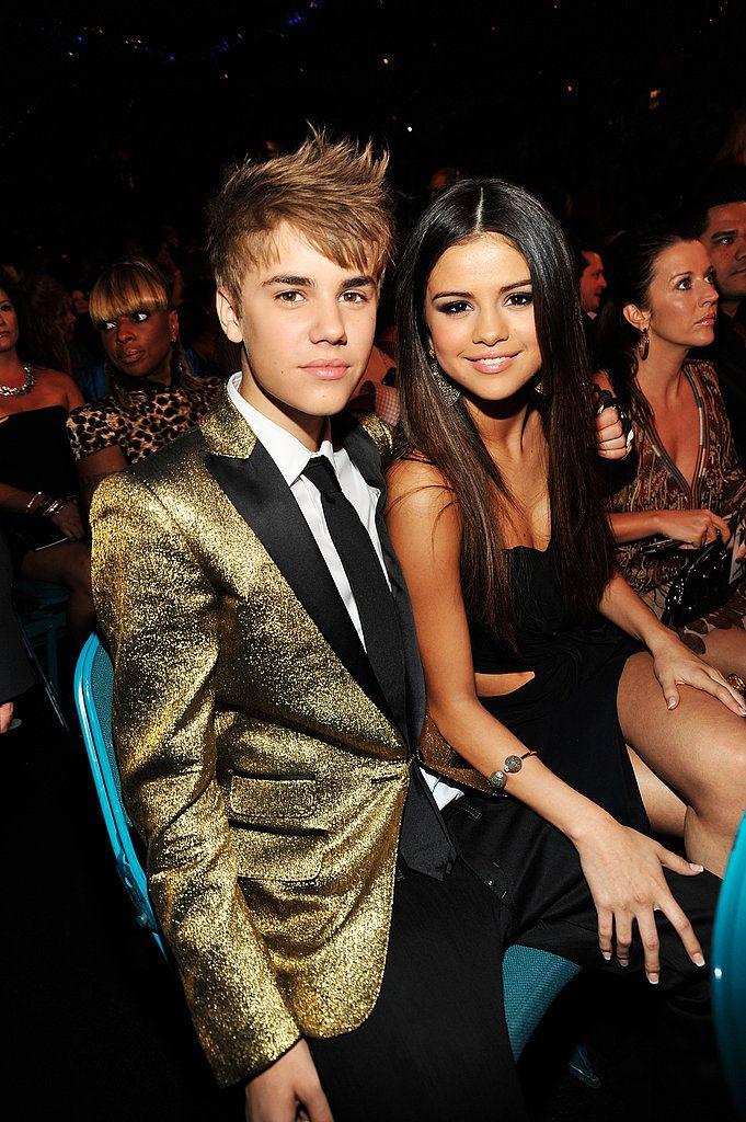 Justin Bieber et Selena Gomez se sont embrassés devant les caméras aux Billboard Awards