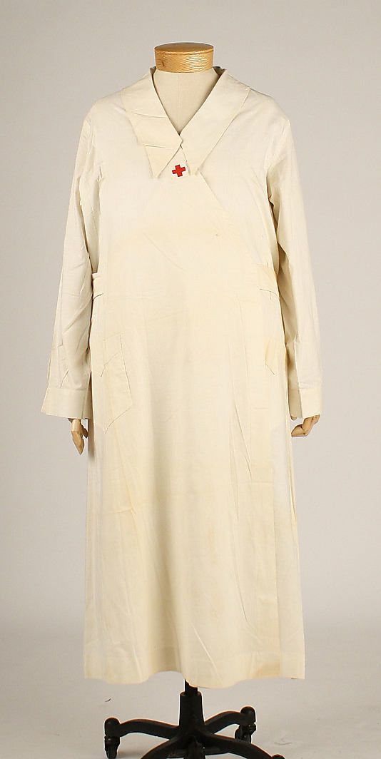 Medical Uniform, circa 1918- makes so much sense because everything in the medical field if white friendly!!!!!!!!!!!!!