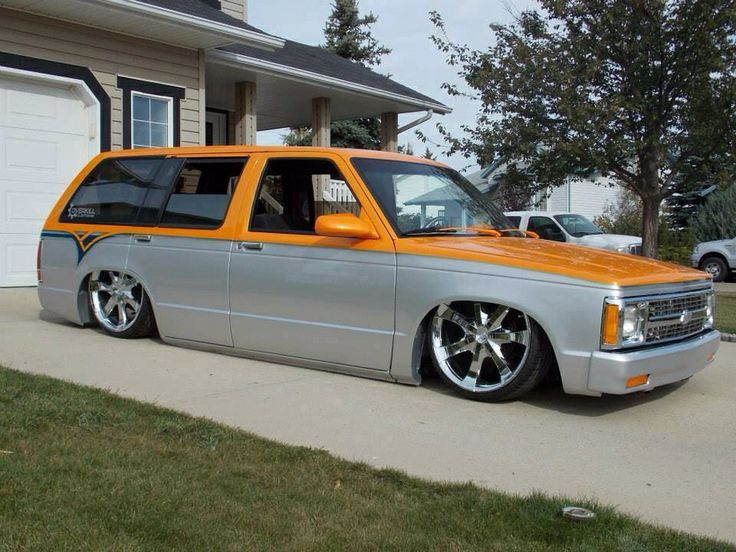 Love this S10 Blazer! Not sure who took the photo or who owns it.