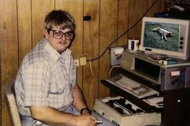 Gabe newell with computer game watch dogs 3
