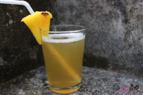 """<input class=""""jpibfi"""" type=""""hidden"""" ><p>Tijdens het werken in het Koffie-Cafe in Peru was ik verbaasd dat men de schillen van de ananas bewaarde. Compost? Nee! Van de schil van de ananas kun je een heerlijke refresco maken en omdat ananas zo gezond is, wordt dus alles van die vrucht gebruikt. Een drankje van ananasschil …</p>"""
