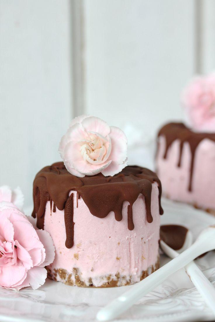 frozen-yogurt-erdbeer-törtchen